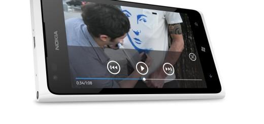 Lumia 900 Side