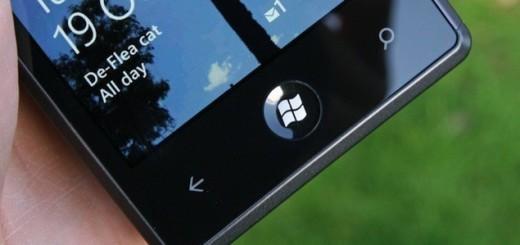 Samsung Odyssey Windows 8 Phone Hand
