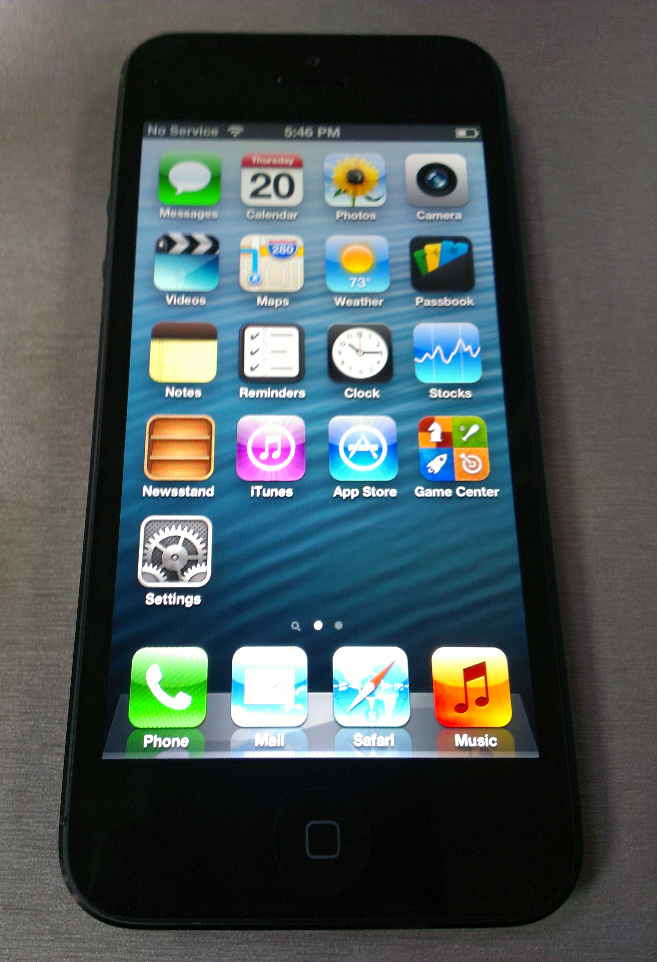 Apple iPhone 5 Arrives - Hands On and First Impressions ...